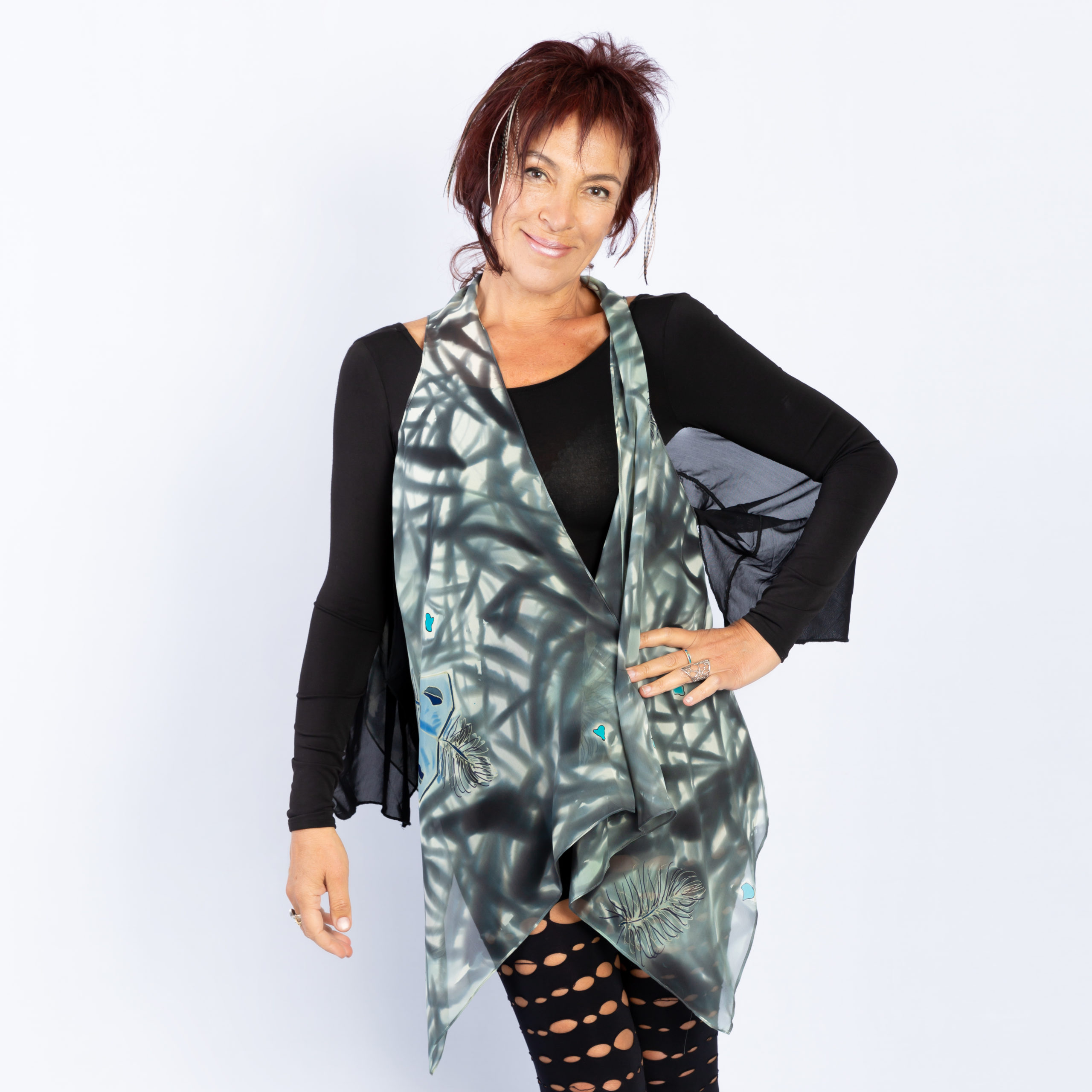 Mini vest with grey with feathers